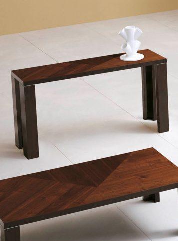 Mariette clermont magasin de meubles design laval for Meuble laval corbusier