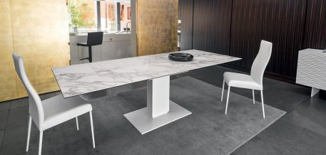 Echo ceramic - dining table