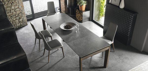 Esteso table