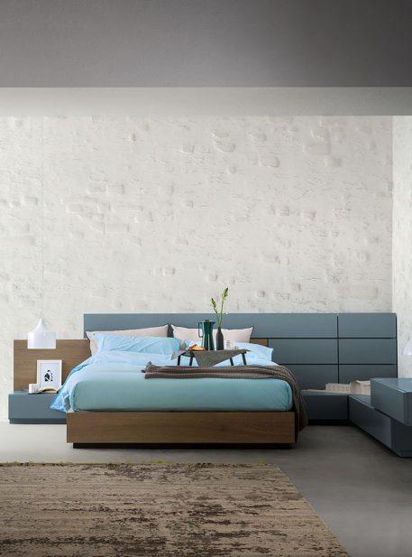 Skip - Bed by Alf Dafrè