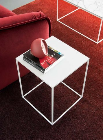 Thin occasional table by Calligaris