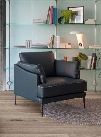 Fleur armchair by Calia Italia
