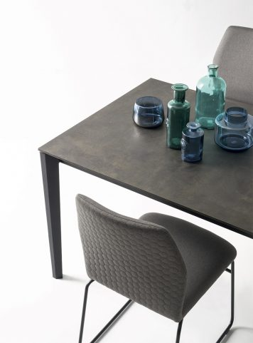 Pentagon table by Connubia