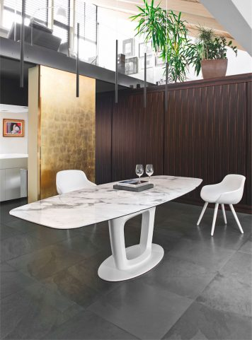 Orbital table by Calligaris